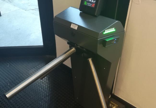 Tornello a tripode per controllo accessi
